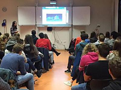 Christina Esch (IGG) präsentiert den Facettenreichtum ihres Fachgebietes
